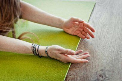 Yoga 4ur back with Susmita: 20 min
